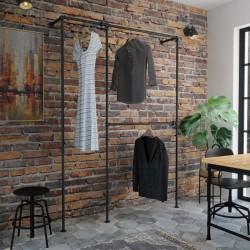 Tøjstativ i new yorker stil. Tøjstativerne er lavet i industrielle vandrør